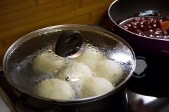 Dampfnudeln-zubereitung-Pfanne