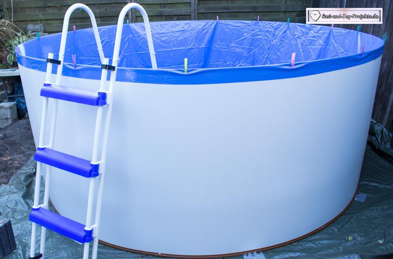 Pool-Folie-mit-Klammern