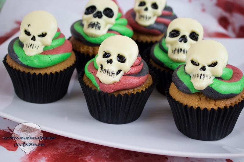 Halloween-Skull-Cupcakes-Bunt