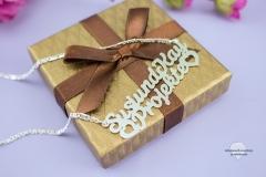 Schmuckstück-Namenskette-als-Geschenk