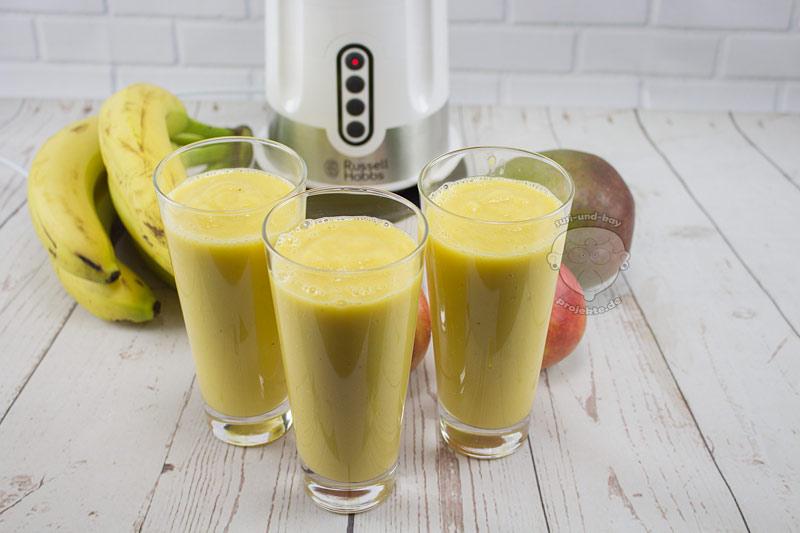 Mango-Smoothie-zubereitet-im-Standmixer