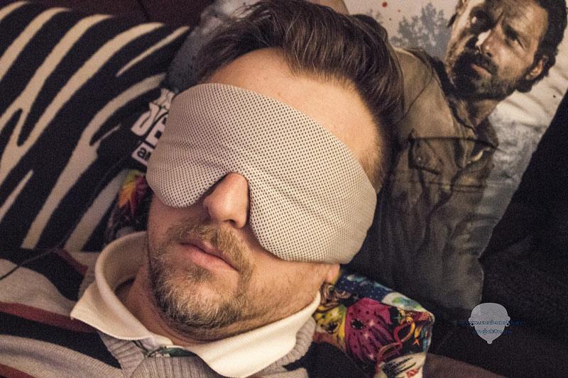 Schlafmaske-mit-Kopfhörer-und-MP3-im-Test