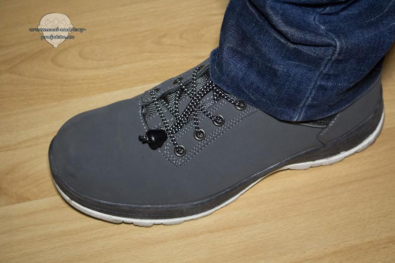 Schnürsenkel-Schuhe