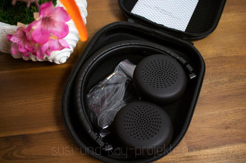 Aukey-Kopfhörer-Musik-mit-Zubehör