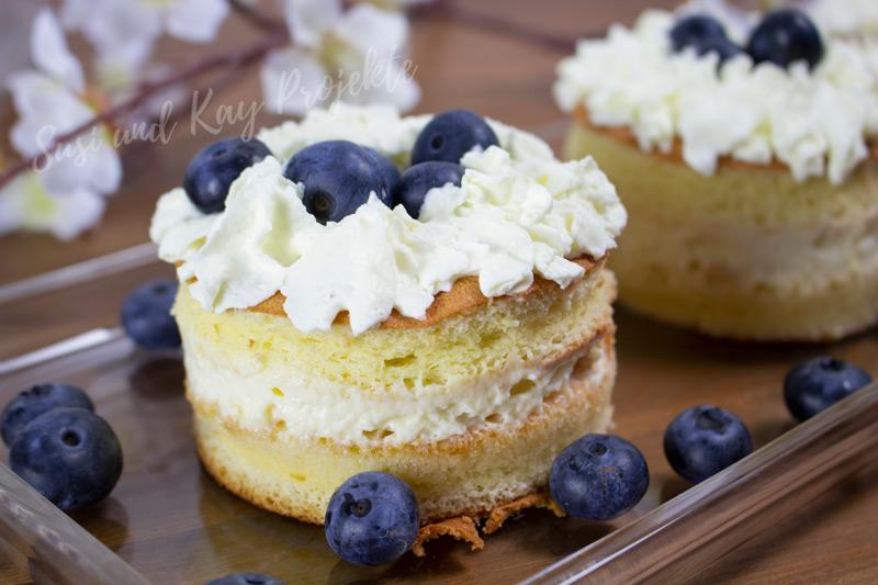 Süße-Rezepte-mit-Honig-Soufflé-Blaubeer-Törtchen