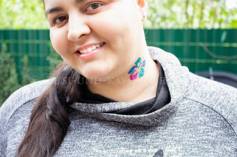 große-Glitzer-Tattoo-Blume-bunt