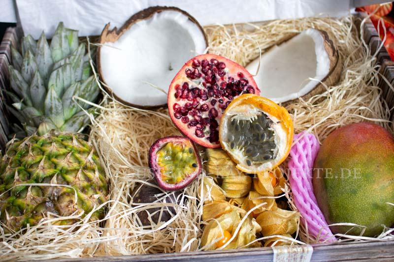 Karton-voller-Obst
