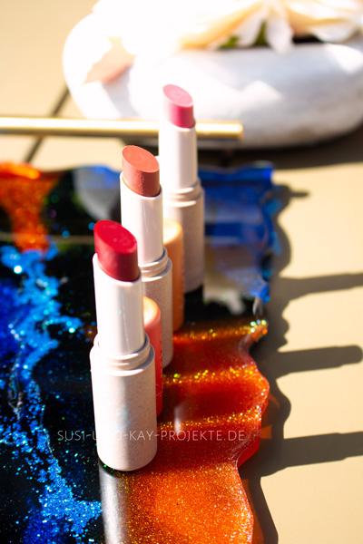 Lippen-Pflege-mit-Farbe-von-Kneipp
