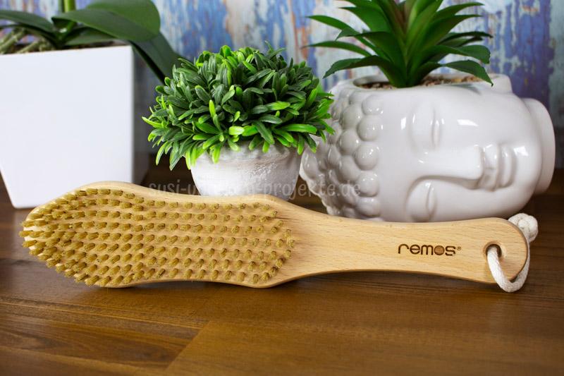 Remos-praktische-Produkte-Körperbürste