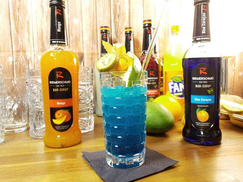 Riemerschmid-Sirup-Cocktails-Blue-Mango