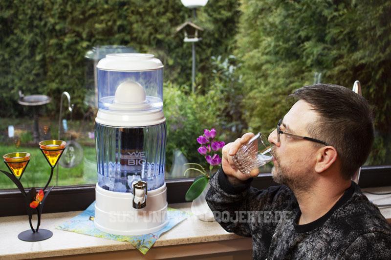 Gesund-Trinken-mit-YVE-BIO-Wasser-Filter