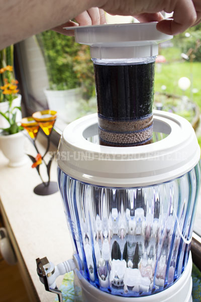YVE-BIO-Wasser-Filter-Kartusche-anbringen
