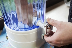YVE-BIO-Wasser-Filter-Hahn-festziehen